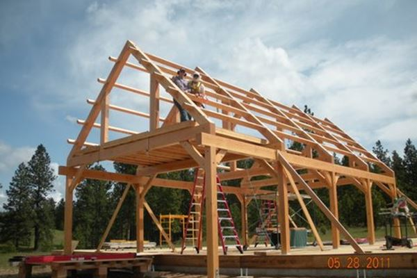Oregon Builder Chooses RAYCORE Roof Panels for Timber Frame