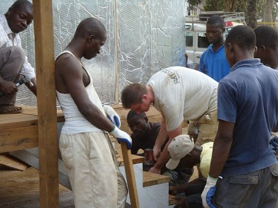 Installing SIPs Modular Medical Building RAYCORE in Africa