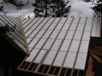 Insulated Roof Panel Installation by RAY-CORE SIPs - Palmer Cabin